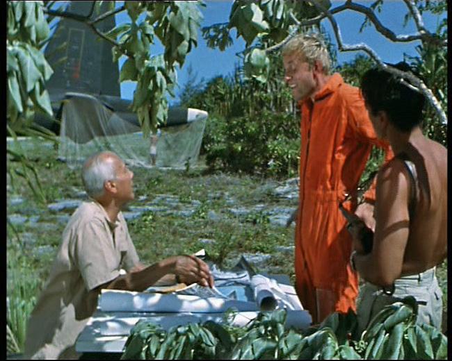 [ DIVERS - LES FLOTILLES ET ESCADRILLES ] Tenues des pilotes années 60 en Polynésie... T_et_l_nbc04